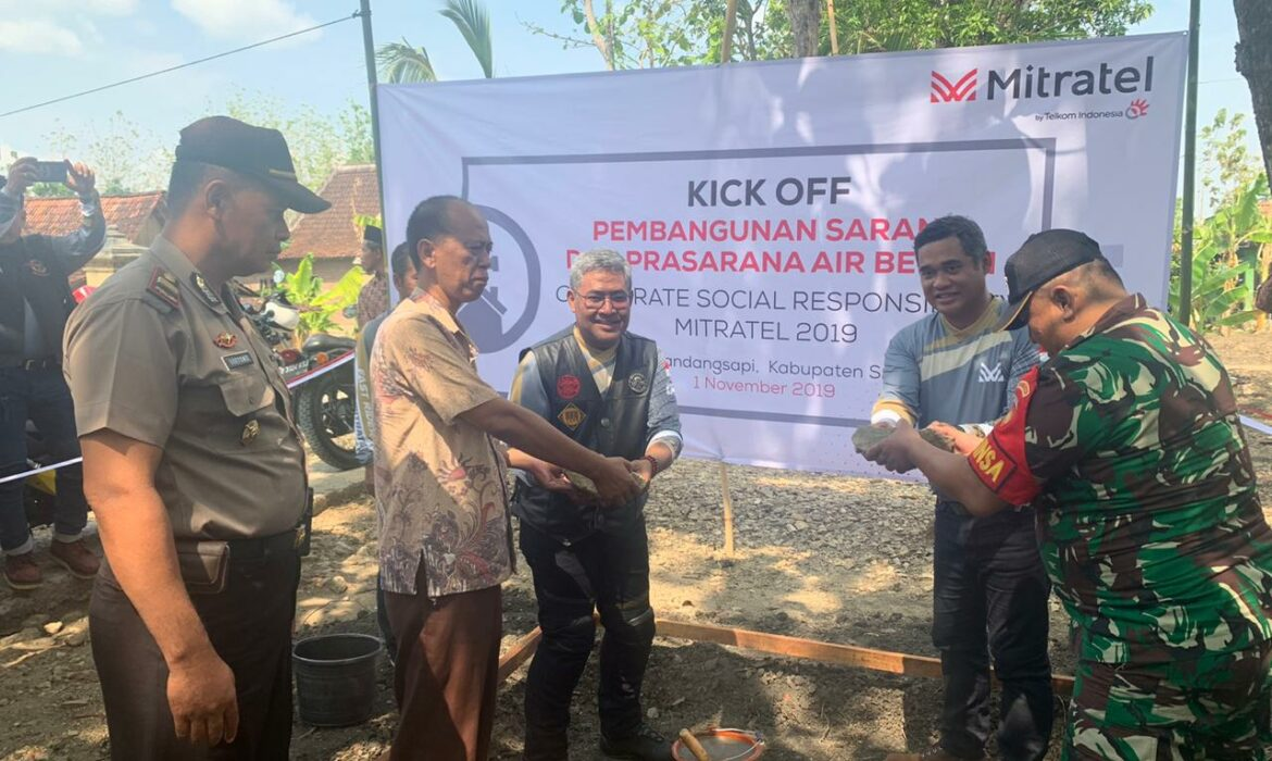 Mitratel Builds Clean Water Facilities in Sragen, Central Java